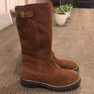 Primitive boots for girl